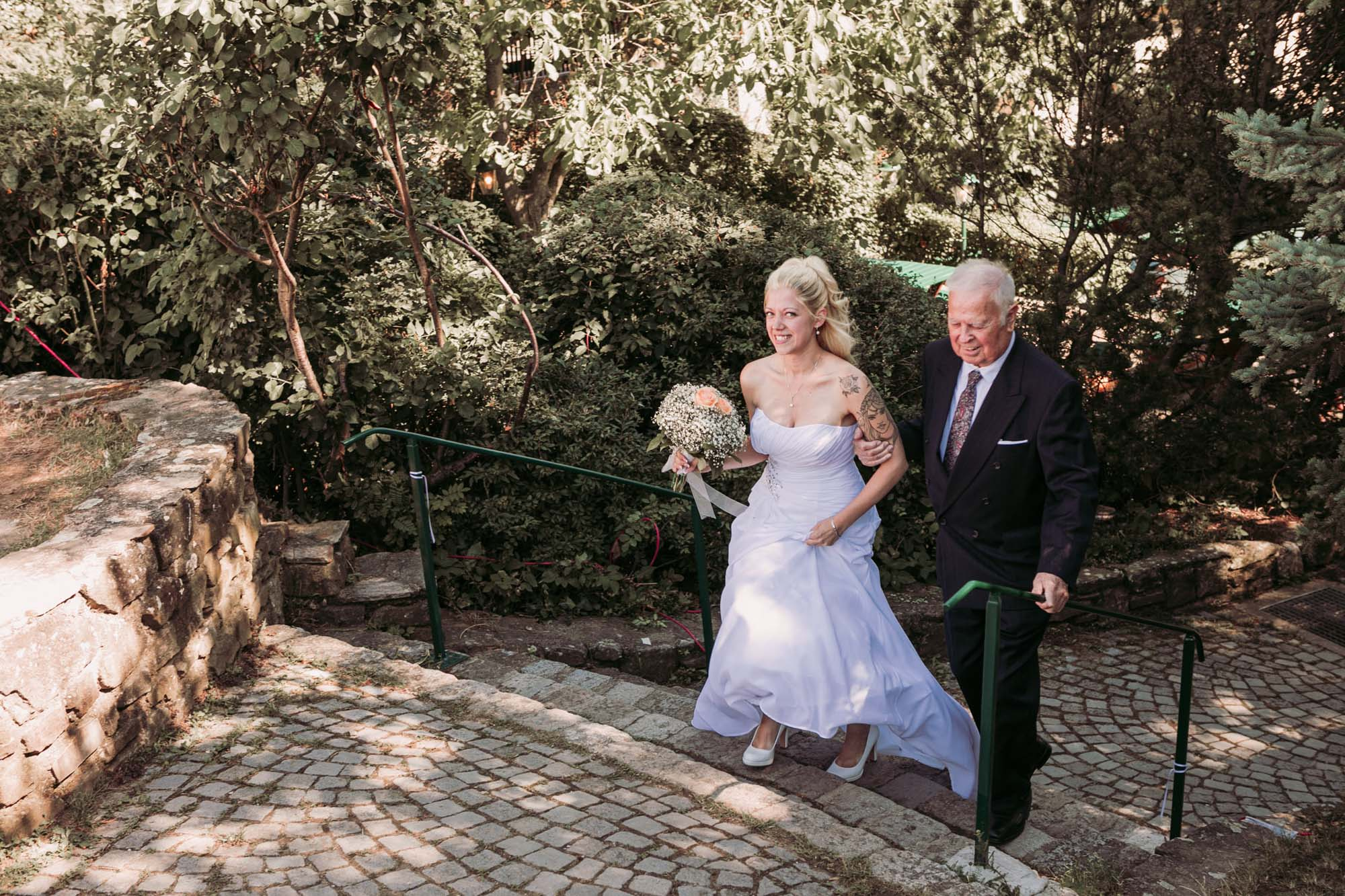 Hochzeitsfotografie Outdoor mit Braut & Vater